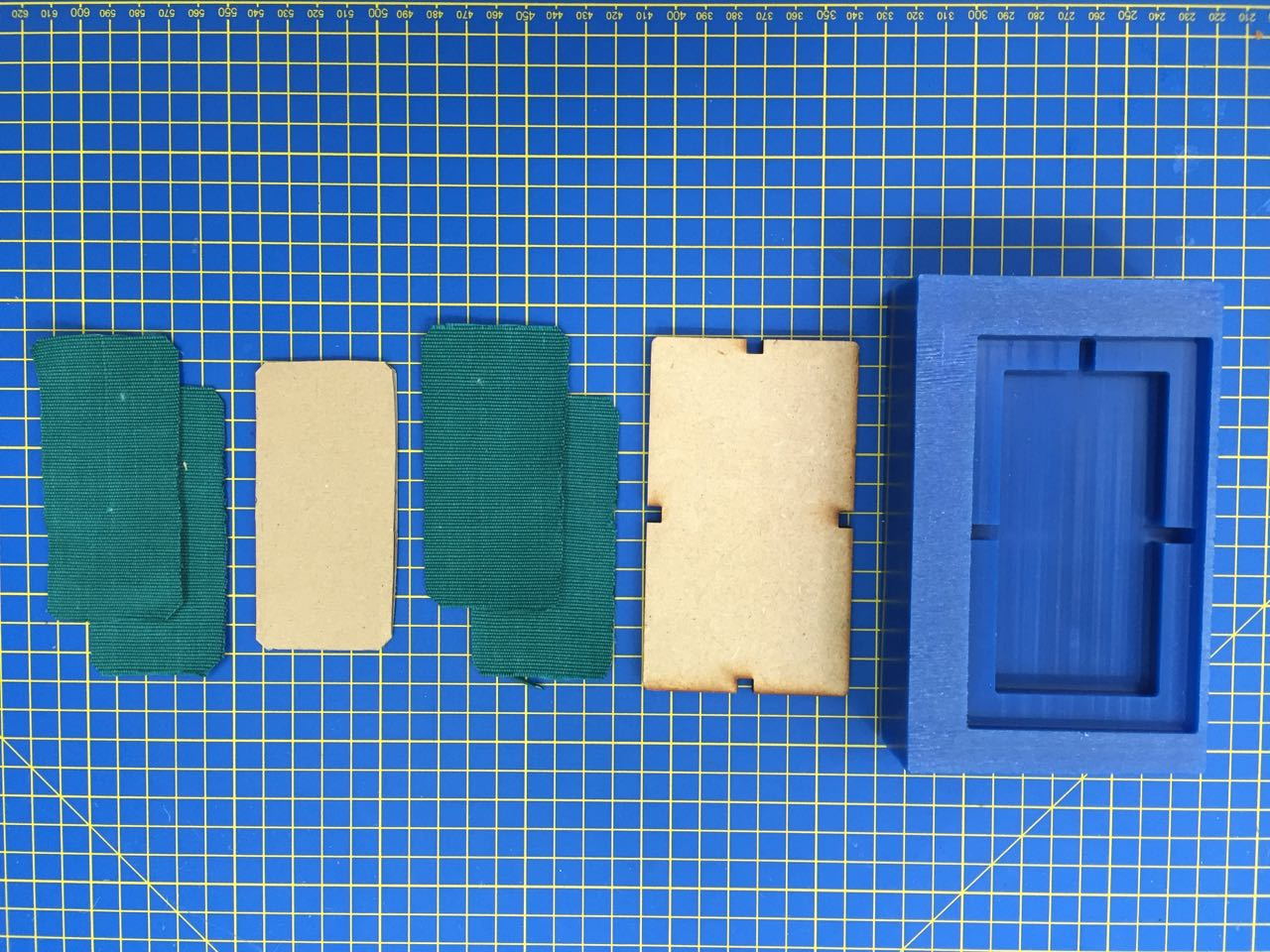 Mold and material parts