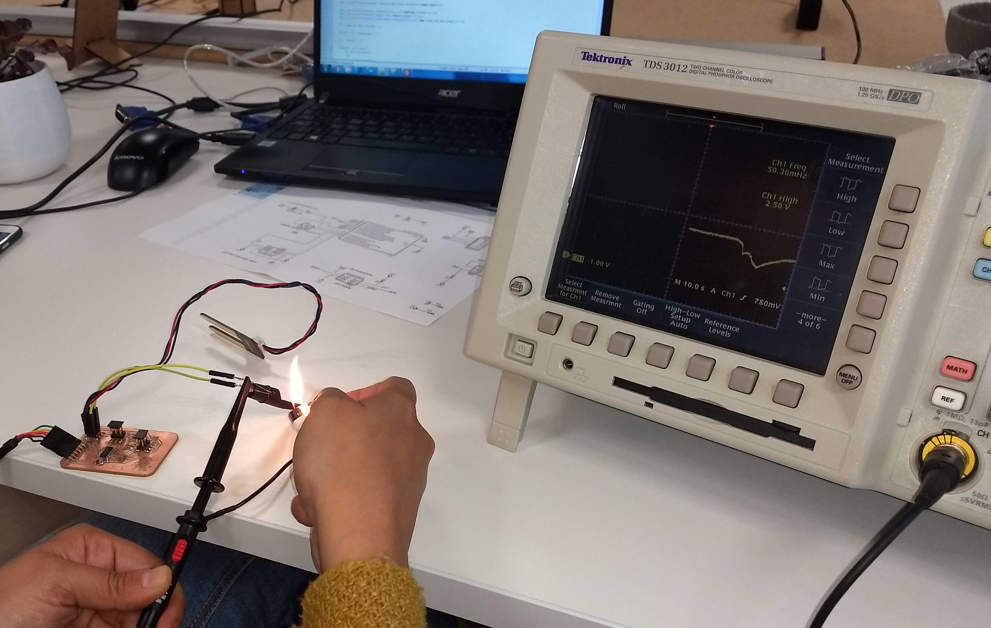 Fab Academy 2018 Leire Bereziartua Pcb Cutting Machine Sewing Modification Electronics Projects And For Viewing Of The Digital Signal We Have Used Exercise 07 Which Has A Button Using Multimeter Tester Polimeter Voltimeter